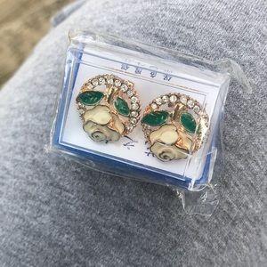 NEW in package clip on lightweight earrings